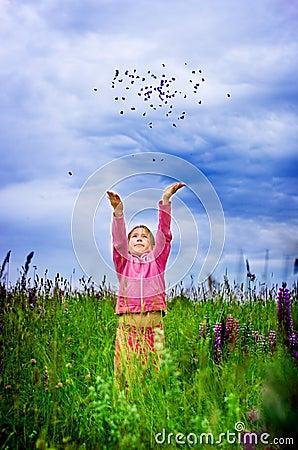 Muchacha de la alegría y de la libertad
