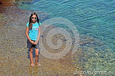Muchacha en el mediterráneo