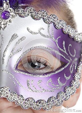 Muchacha en máscara