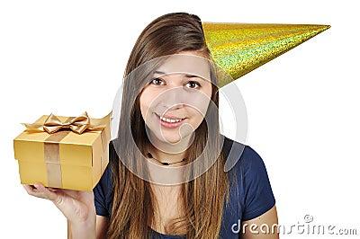 Muchacha en un sombrero festivo