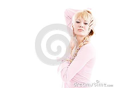 Muchacha en una alineada rosada