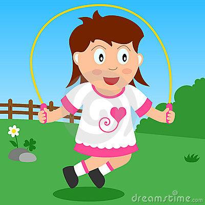 Muchacha que salta en el parque