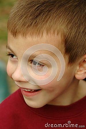 Muchacho joven sonriente