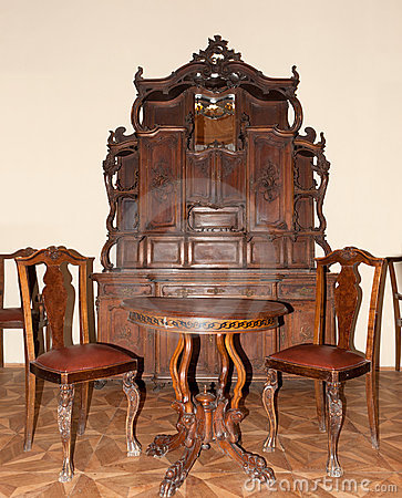 muebles antiguos im genes de archivo libres de regal as