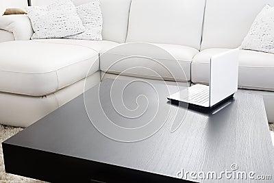 Muebles y computadora port til modernos fotos de archivo - Disenadores de muebles modernos ...