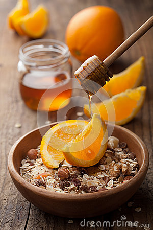 Muesli with oranges and honey
