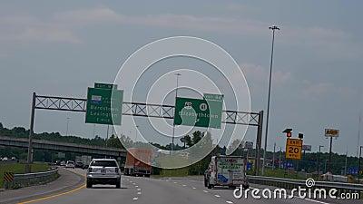 Muestra de la salida a Elizabethtown en la autopista sin peaje - Nashville, Estados Unidos - 16 de junio de 2019 metrajes