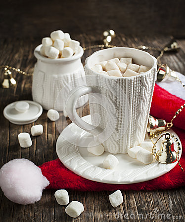 Free Mug Filled With Hot Chocolate And Marshmallows Stock Image - 46360891