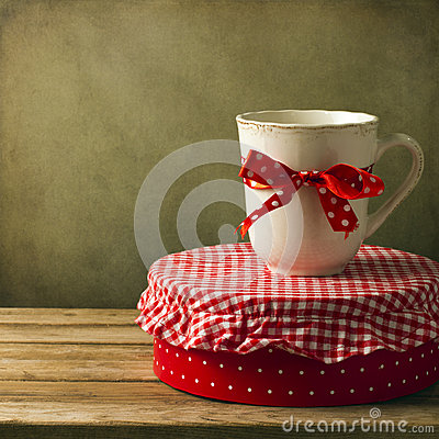 Mug with ribbon on round box