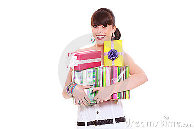 Mujer alegre con los regalos