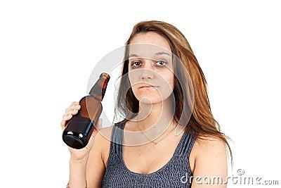 Mujer borracha en blanco