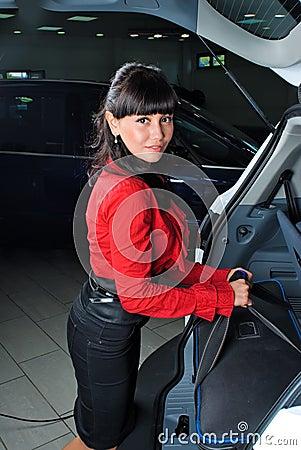 Mujer con la maleta