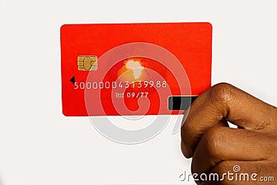 Mujer con la tarjeta de crédito