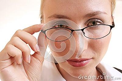 Mujer con los vidrios