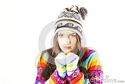 Mujer de congelación del invierno