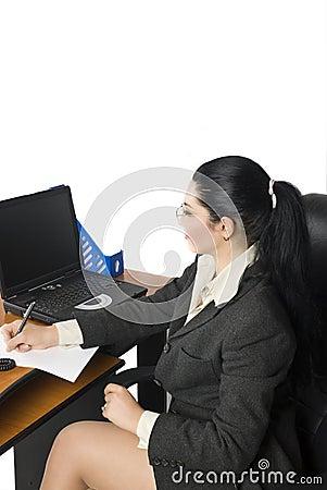 Mujer de negocios de la oficina