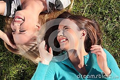 Mujer dos en el parque