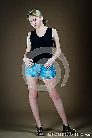 Mujer en cortocircuitos