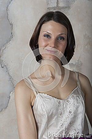 Mujer joven en una ropa interior ligera imagenes de archivo imagen 32063044 - Fotografias de mujeres en ropa interior ...