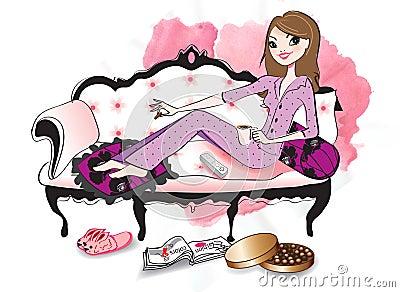 Mujer que se relaja en un sofá