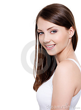 Mujer sonriente dentuda hermosa
