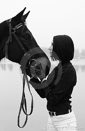 De Stock Royalty Free Mulher Bonita O Cavalo Em Preto E Branco