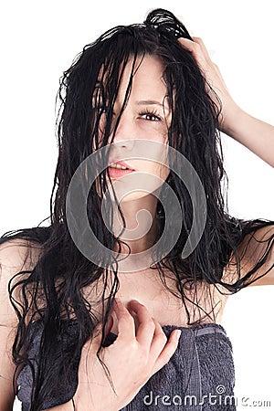 Mulher com cabelo molhado