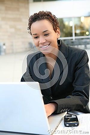 Mulher de negócio preta