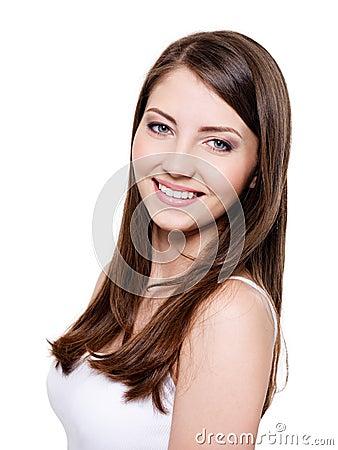 Mulher de sorriso toothy bonita