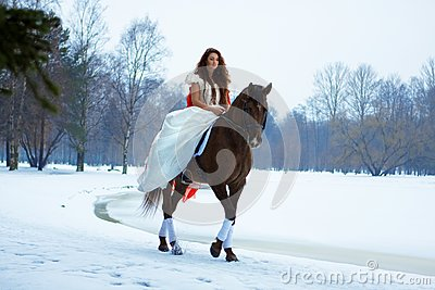 Mulher em um cavalo