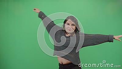 A mulher a girar com as mãos espalhou-se filme