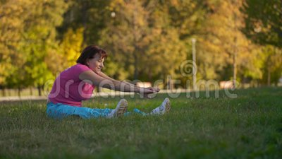 Mulher madura que faz exerc?cios filme