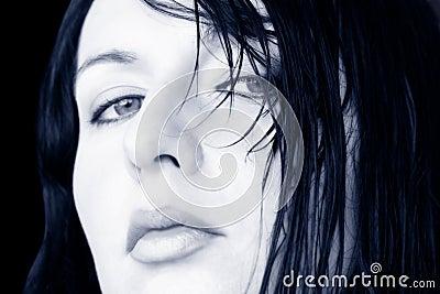 Mulher molhada do cabelo