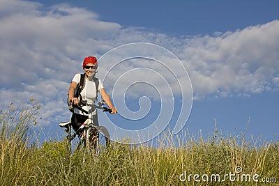 Mulher na bicicleta