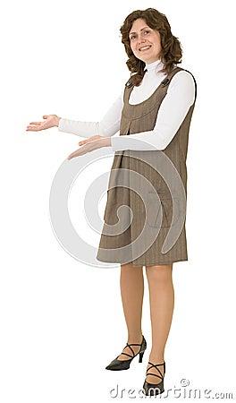 A mulher nova a ser convida o gesto