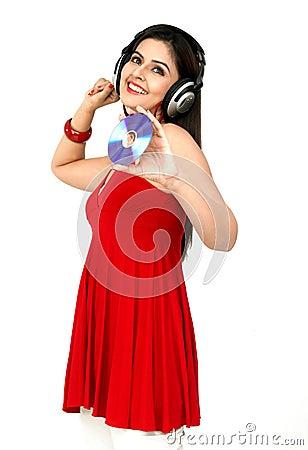 Mulher que aprecia a música