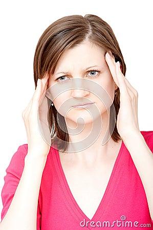 Mulher que tem uma dor de cabeça