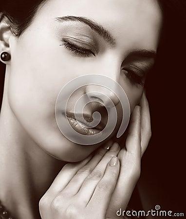 Mulher sensual com pele macia