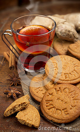Mulled wine and cookies