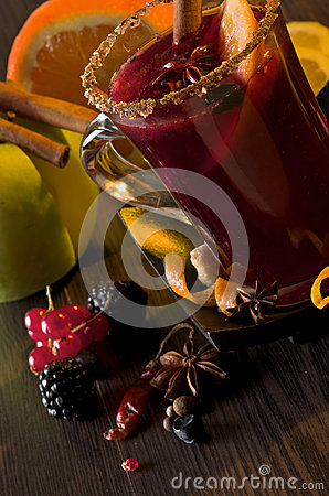 Mulled Wine and Fruits