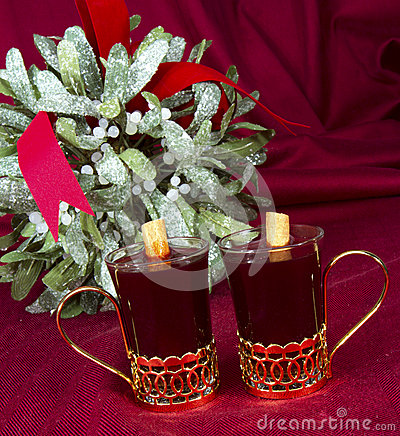Mulled Wine with Mistletoe