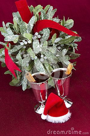 Mulled Wine with Mistletoe and Santa Hat