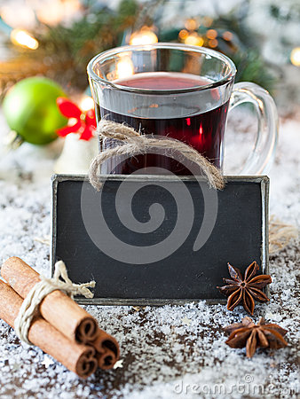 Mulled wine with a tag