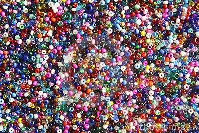Multi-coloured seed beads