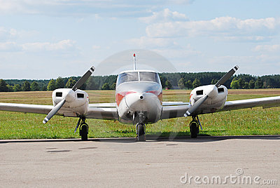 Multi engine airplane