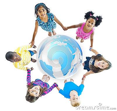 Free Multi-Ethnic Children Holding Hands Around Globe Stock Photography - 40101382