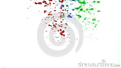 Multicolored oliedalingen in water het gieten onderaan dan toenemende file tot de hoogste langzame motie stock videobeelden
