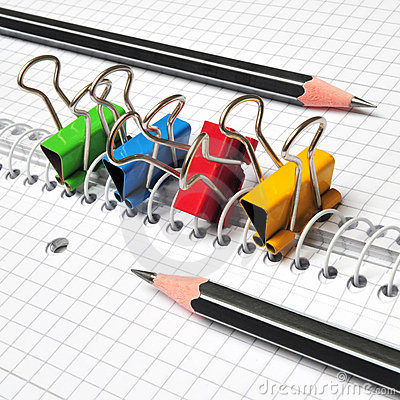 Free Multicolored Paper Clips Royalty Free Stock Photography - 16770137
