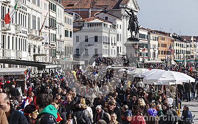 Multidão em Veneza Imagem Editorial