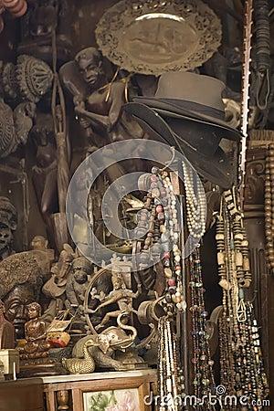 Free MUMBAI, INDIA - May 2014: Chor Bazaar - Antique Indian Thieves M Royalty Free Stock Photos - 54494118
